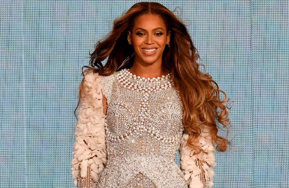 Most Beautiful female black celebrities, singers, models, actresses of all time