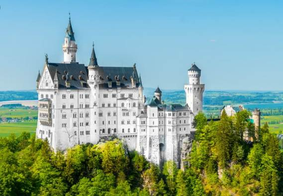 Top 10 Best Tourist countries in the world in 2021