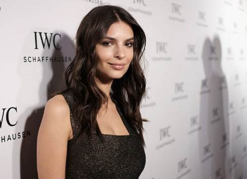 Emily Ratajkowski Net Worth 2020, Biography, Clothing Line, Booking, Husband & Parents
