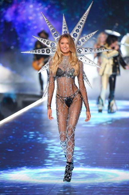 Top 16 hottest Victoria's Secret Angels Of 2020