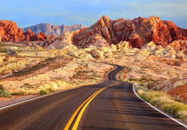 Easy Guide on How to Plan an Adventurous Road Trip with Stops