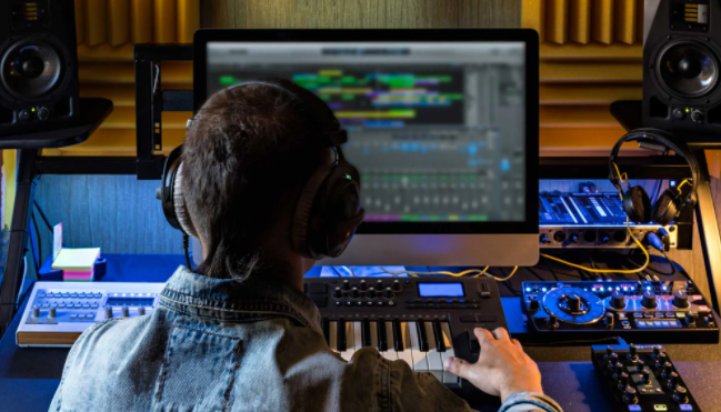 Top 10 Best Music Production Software for Pros (2021)