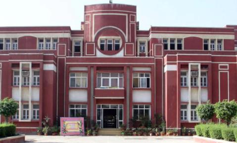 BIGGEST SCHOOLS IN iNDIA