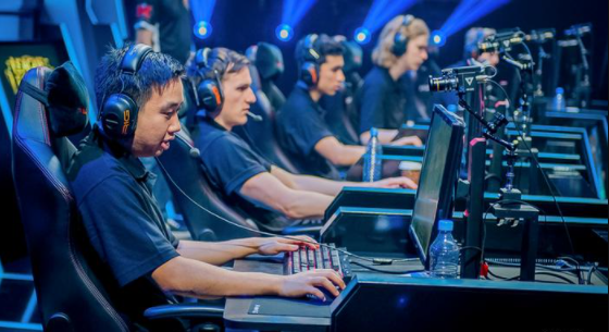 How much does Esports make in 2021? (Gamers Earnings and Salaries)